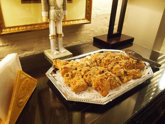 チョコチップとナッツたっぷりのザクザククッキー